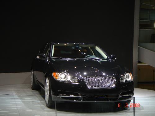 Jaguar XF face noire