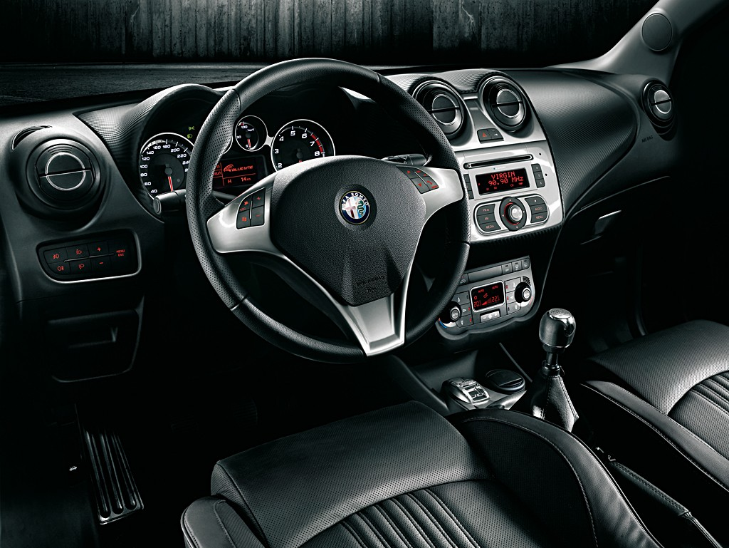 Blog 4 auto auto automobile voitures de sport alfa for Interieur sport gourcuff